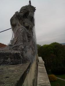 rozpadajuca sa socha 5