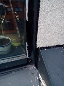 400, -Kč  15 €  1 hod. Oprava zatékajících oken v novostavbě Bratislava výškové práce www.hajman.eu 1