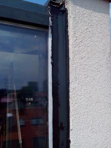 400, -Kč  15 €  1 hod. Oprava zatékajících oken v novostavbě Bratislava výškové práce www.hajman.eu 2
