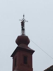 demontaz kostelniho krize 12