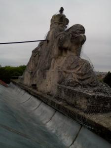 rozpadajuca sa socha 4